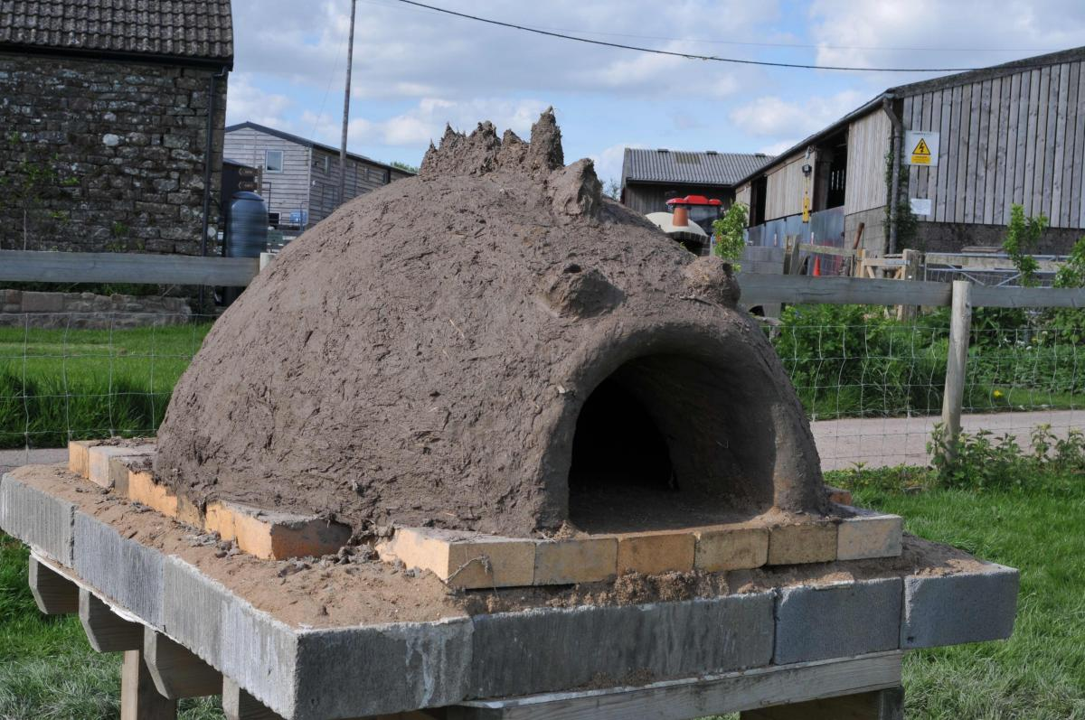 build a wood fired clay pizza oven humble by nature wye valley