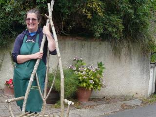 Jane Gray Wallis teaches green wood chair making at Humble by Nature