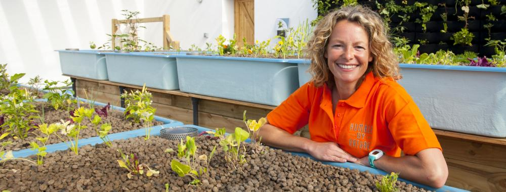 Kate Humble launches UK first Aquaponics Solar Greenhouse at Humble by Nature