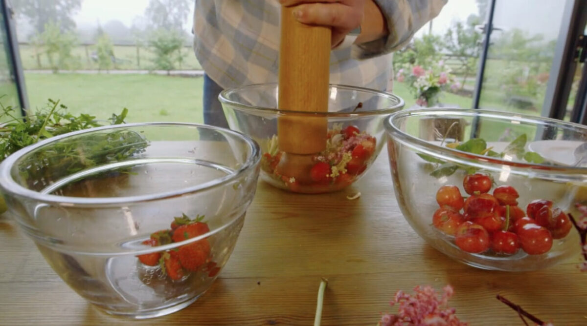 wild foraging cocktail kate humble escape to the farm