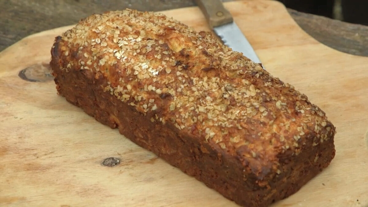 Apple & Cheddar bread made with Kingstone Ale on Escape to the Farm